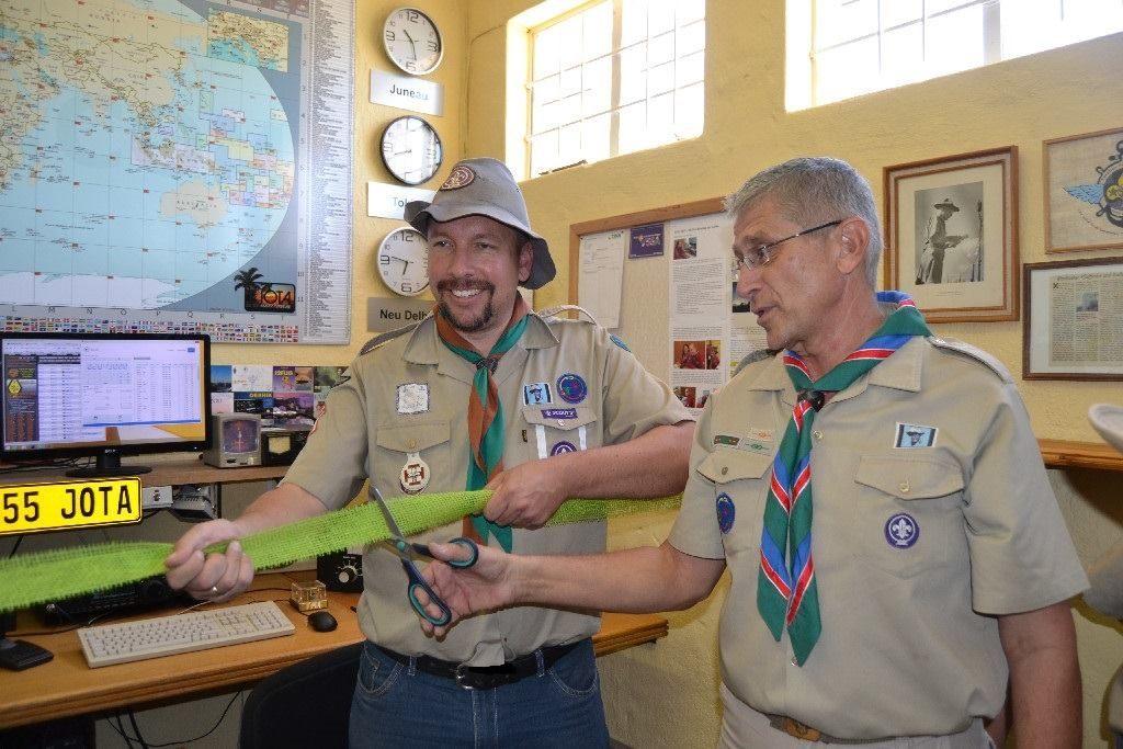 """""""Mike"""" Michael Rudloff - auch bekannt als """"Rambo"""" an der weltweit bekannten deutschsprachigen Pfadfinderfunkstation V55JOTA aus Namibia"""